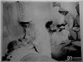 1952医疗队的护士在照料受伤战士