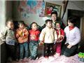河南五胞胎和他们贫穷的家