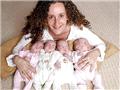 四胞胎和他们截肢的妈妈
