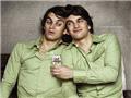 """揭秘""""连体""""双胞胎的奇异人生"""