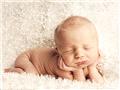 新生儿超可爱睡姿 3种姿势交替睡最健康