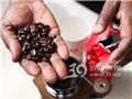 非洲朋友教你自制咖啡2