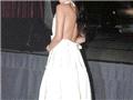 舒淇小白裙露背装,很惹人眼