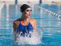 女星跳水跳上瘾 运动中的女人尤其性感