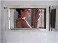 罗马利亚女犯人真实自拍监狱生活!