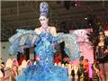 性感模特展示蓝色魅惑