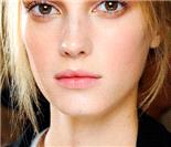 2011秋冬高级定制妆容趋势:Valentino华伦天奴秀场