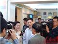 杨姝红整容手术后首次面对媒体