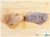 """煮熟后的""""假牛肉""""切片与煮好的真牛肉片"""