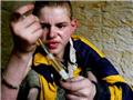乌克兰孤儿 吸食强力胶代替毒品