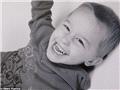 """四岁前,扎克一直是个""""正常小男孩"""",喜欢玩动力火车和打打闹闹。"""