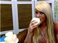英妇女5年吃千块肥皂海绵
