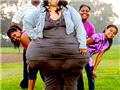 美一女子臀围超2米为世界最大