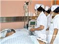 护士们在观察、记录病情