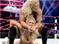 WWE性感摔跤女王 呈野性美感9