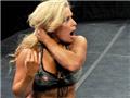 WWE性感摔跤女王 呈野性美感16