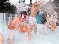 日本举行寒冷耐力赛 健身迎新年