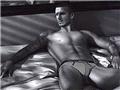 贝克汉姆成名后的肌肉写真秀6