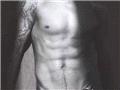 贝克汉姆成名后的肌肉写真秀7