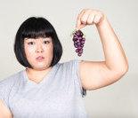 英金发女子注射类固醇变身肌肉男
