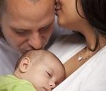 美摄影师拍摄:新生儿感人求生照