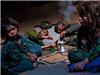 震撼!阿富汗小孩拿鸦片当零食