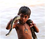 柬埔寨孩子看病免费 各色童年生活