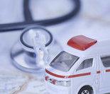 """""""移动医院""""车队(该图片由医院提供)"""
