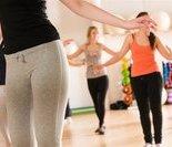 动作八:膝关节绕环