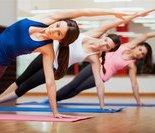 动作五:坐姿体前屈(向前屈)