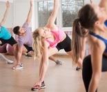 残酷的训练 从小练习体操的孩子们