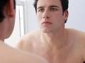 英28岁女子 滥用类固醇药物变猛男