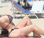 美国46岁辣妈整形37次 迷恋胸部整形