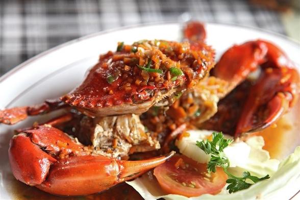 英餐厅回收废弃食材制作健康美食