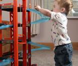 英3岁男孩患罕见侏儒症身高74厘米