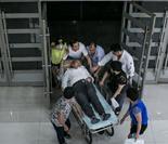 特写:杭州一家医院午夜急诊室百态